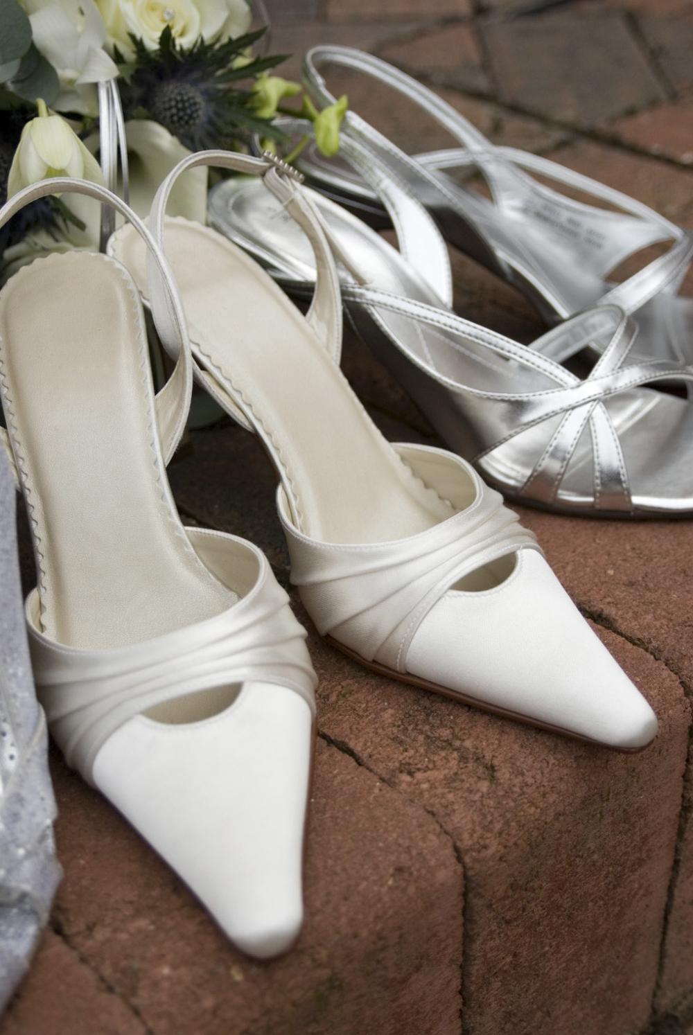 Bílé svatební boty 2016 8a079d8335